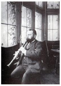 Richard-Muhlfeld-clarinet-215x300
